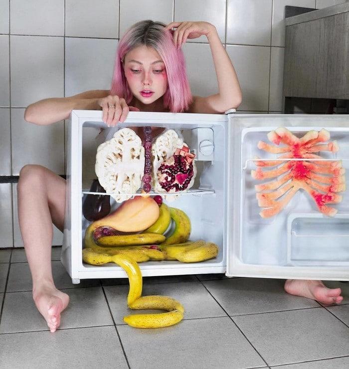 Esta artista russa compartilha suas fotos bizarras e se tornou uma sensação no Instagram (40 fotos) 30