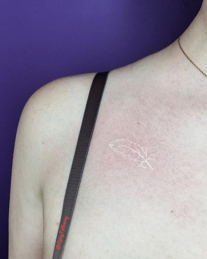 24 tatuagens que provam que o branco é o novo preto 18