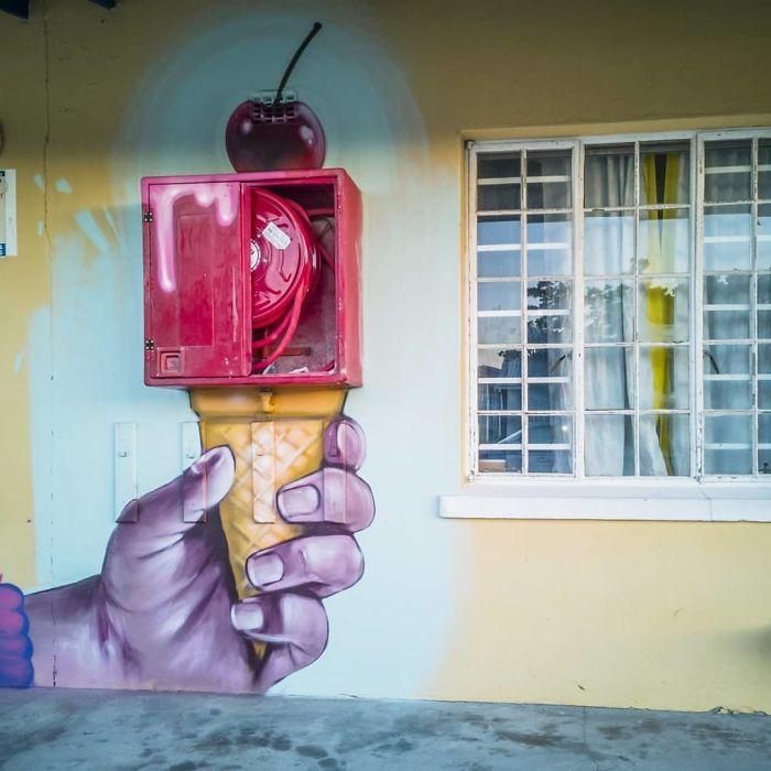 Artista sul-africano pinta grafites incríveis que interagem com o ambiente (32 fotos) 6