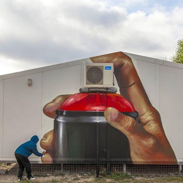 Artista sul-africano pinta grafites incríveis que interagem com o ambiente (32 fotos) 25