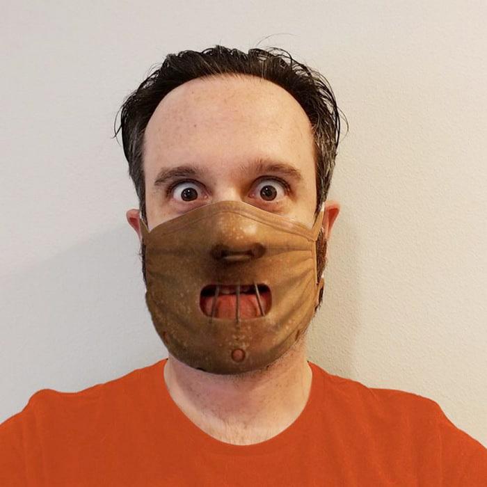 As pessoas estão se protegendo com máscaras engraçadas ultra-realistas (21 fotos) 6