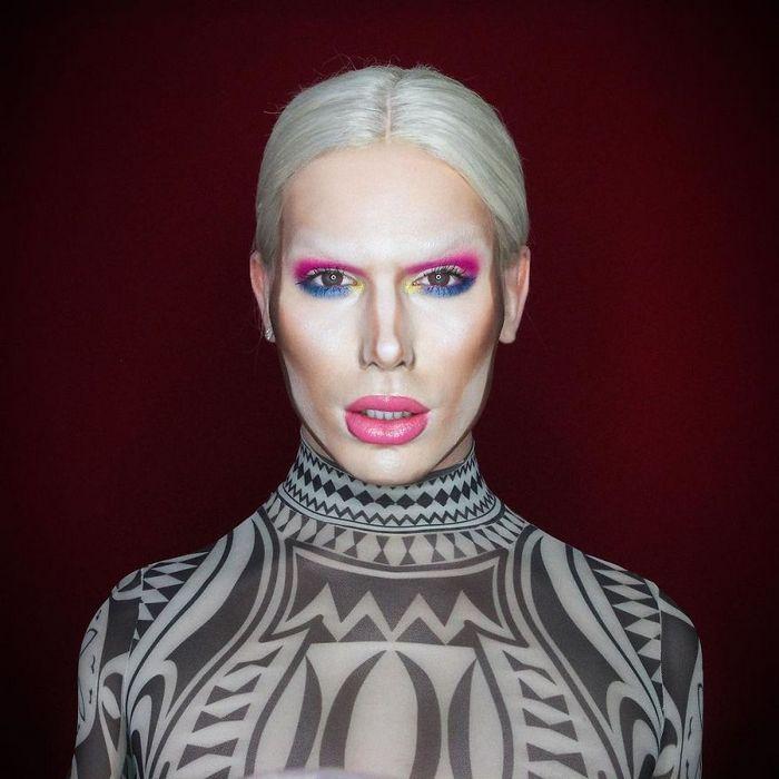 Drag Queen é tão boa em maquiagem que pode se transformar em qualquer celebridade (29 fotos) 20