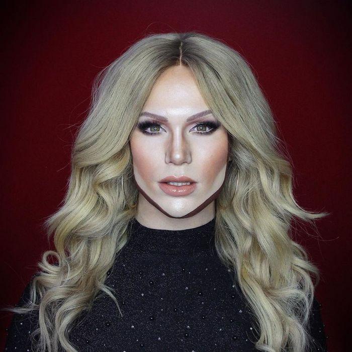 Drag Queen é tão boa em maquiagem que pode se transformar em qualquer celebridade (29 fotos) 30
