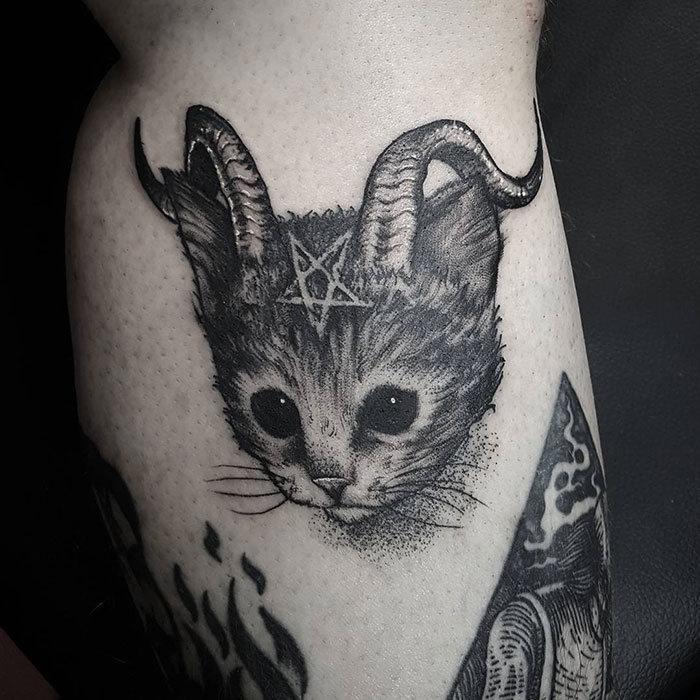 45 pessoas que fizeram tatuagens absolutamente incríveis de gatos 14
