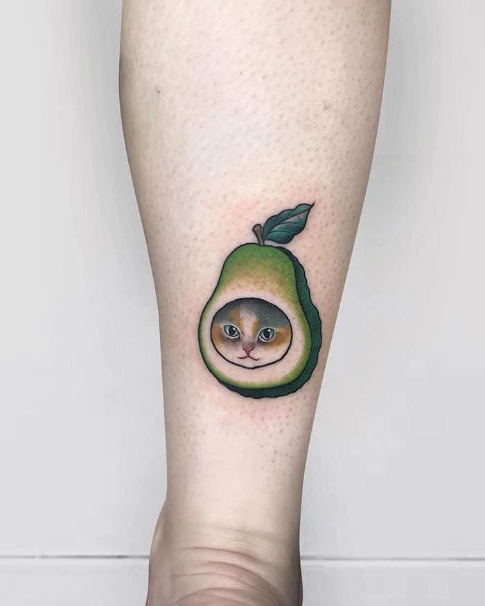 45 pessoas que fizeram tatuagens absolutamente incríveis de gatos 19