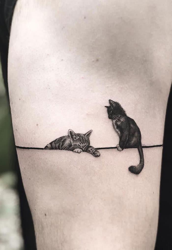 45 pessoas que fizeram tatuagens absolutamente incríveis de gatos 32