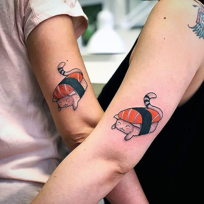 45 pessoas que fizeram tatuagens absolutamente incríveis de gatos 33