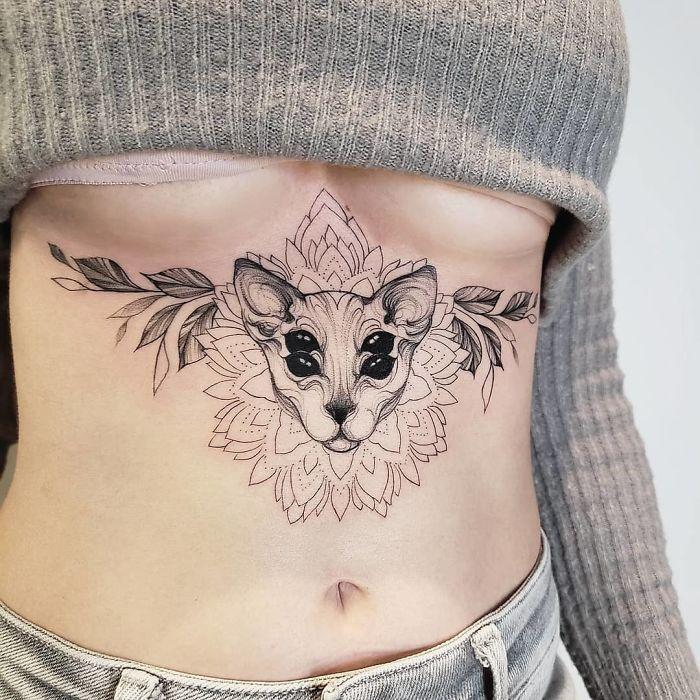 45 pessoas que fizeram tatuagens absolutamente incríveis de gatos 43