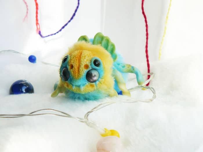 25 trabalho de uma espirante de brinquedos que são assustadores e fofos 10