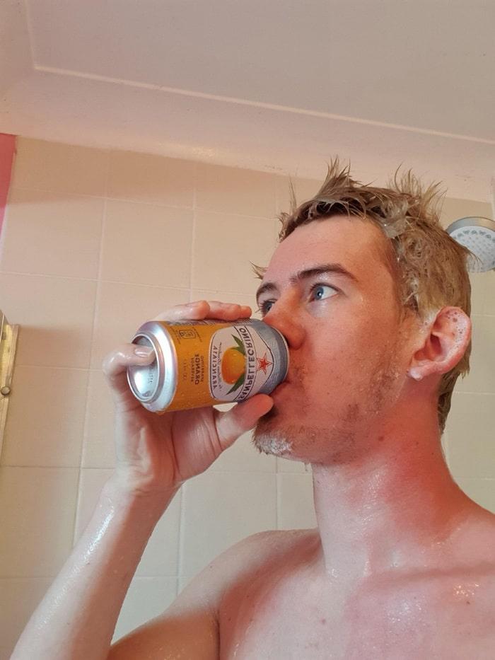 Existe uma comunidade online feita para pessoas que gostam de tomar banho de laranjas 10