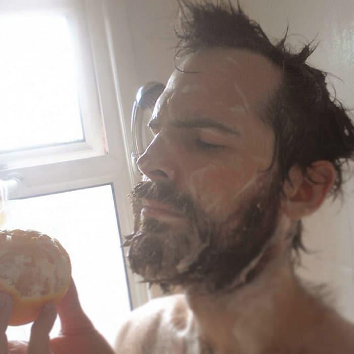 Existe uma comunidade online feita para pessoas que gostam de tomar banho de laranjas 16