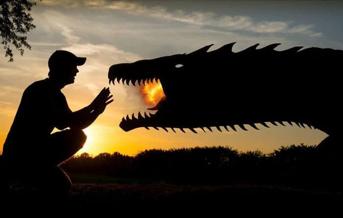 Este artista recorta papelão para criar obras mágicas ao pôr do sol 36