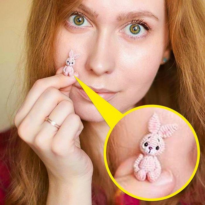 Este artista russa cria pequenos bichinhos de pelúcia de crochê que você pode levar a qualquer lugar (20 fotos) 2