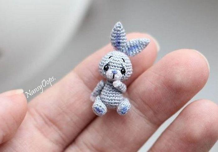 Este artista russa cria pequenos bichinhos de pelúcia de crochê que você pode levar a qualquer lugar (20 fotos) 15