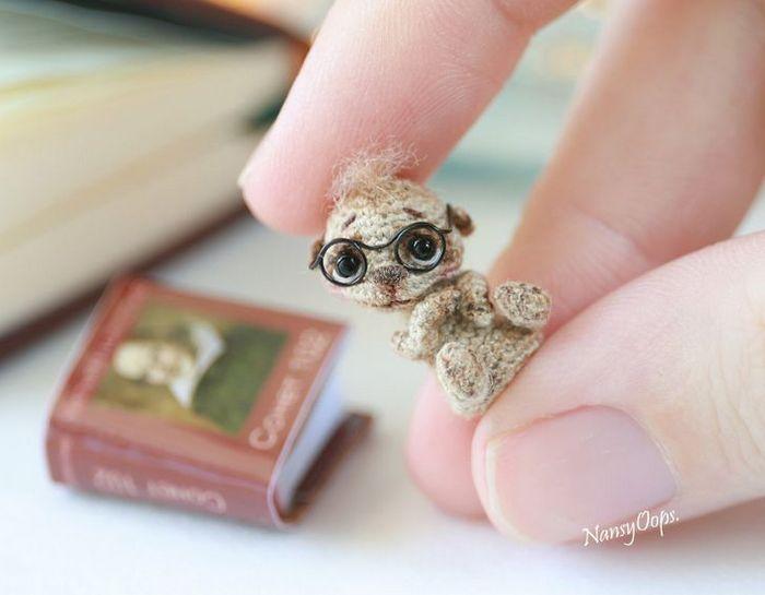 Este artista russa cria pequenos bichinhos de pelúcia de crochê que você pode levar a qualquer lugar (20 fotos) 19