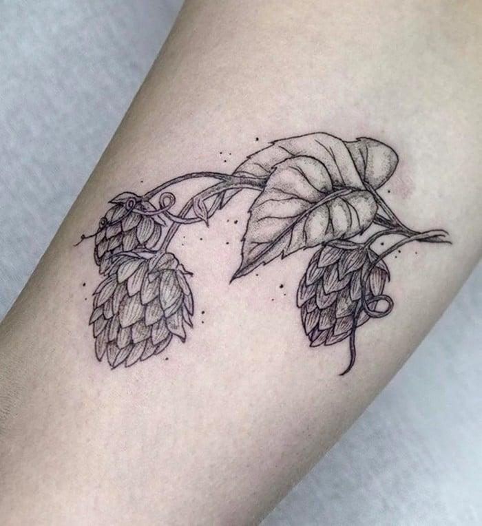 24 tatuagens minimalistas que são o equilíbrio ideal entre ousado e elegante 9