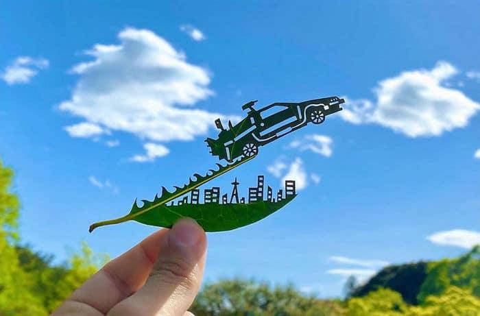 Artista japonês cria obras de arte com recortes em folhas 28