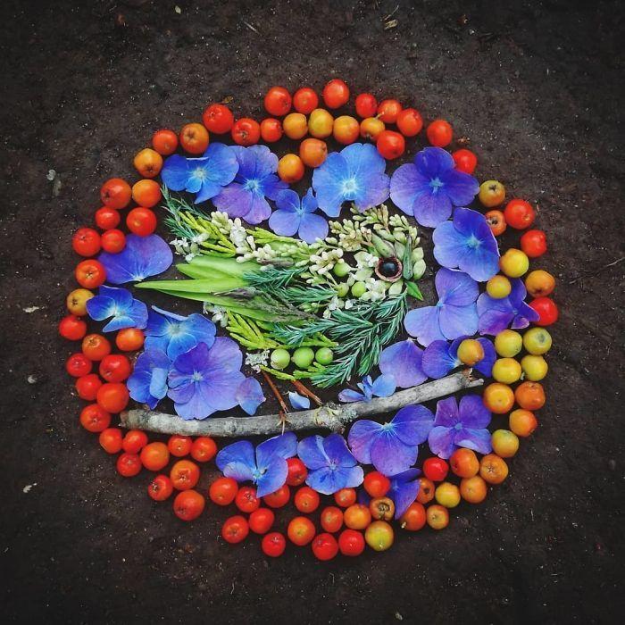 Artista usa coisas que encontra nas florestas para criar lindas mandalas de pássaros 15