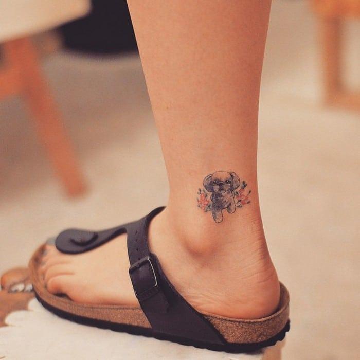 49 tatuagens pequenas para tornozelos que vão te encantar: são discretas e lindas! 2