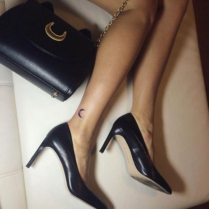 49 tatuagens pequenas para tornozelos que vão te encantar: são discretas e lindas! 11