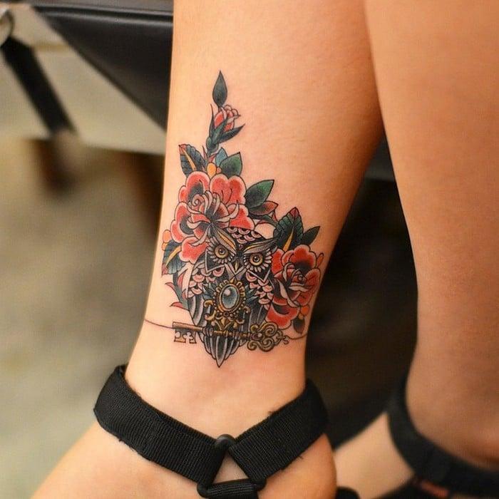 49 tatuagens pequenas para tornozelos que vão te encantar: são discretas e lindas! 37