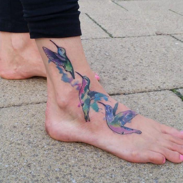 49 tatuagens pequenas para tornozelos que vão te encantar: são discretas e lindas! 47