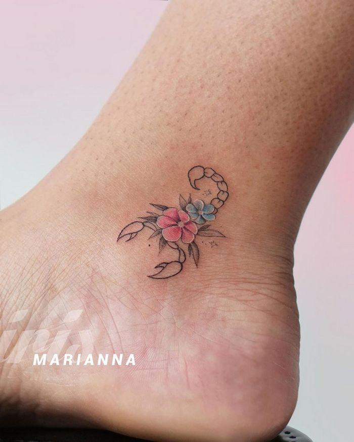 49 tatuagens pequenas para tornozelos que vão te encantar: são discretas e lindas! 50