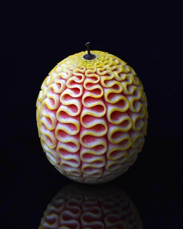 Artista japonês esculpe à mão padrões e ornamentos em comida 3