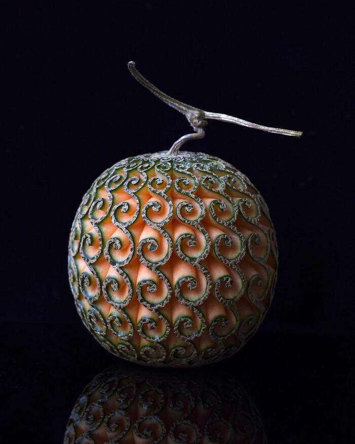 Artista japonês esculpe à mão padrões e ornamentos em comida 4