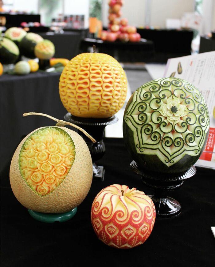 Artista japonês esculpe à mão padrões e ornamentos em comida 11