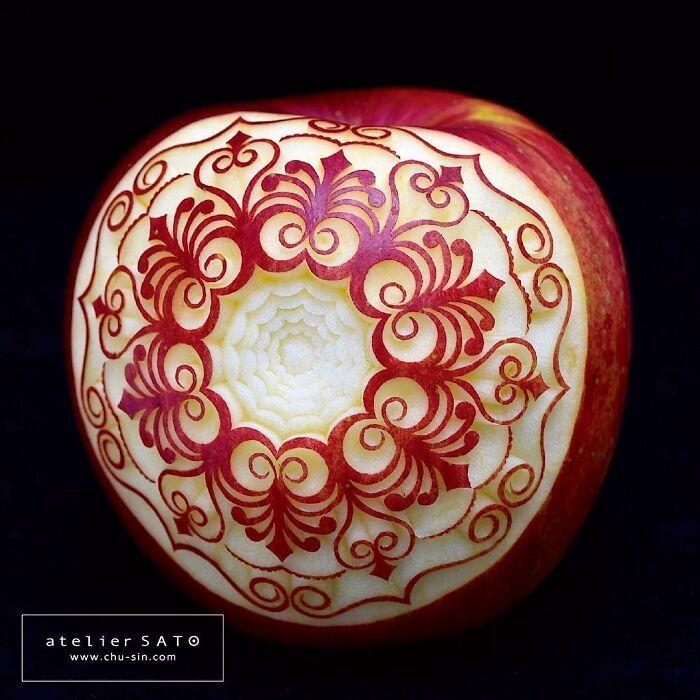 Artista japonês esculpe à mão padrões e ornamentos em comida 15
