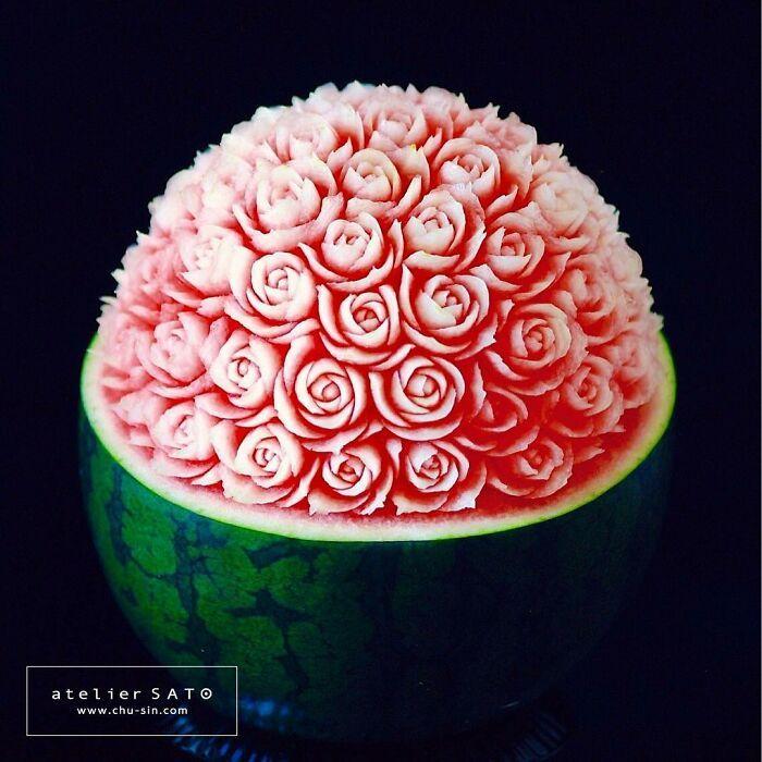 Artista japonês esculpe à mão padrões e ornamentos em comida 19