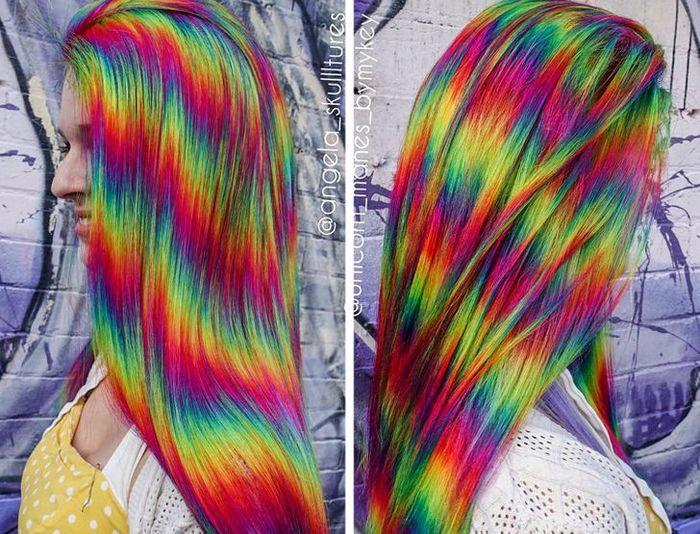 Um cabeleireiro australiano que transforma o cabelo em arco-íris 23