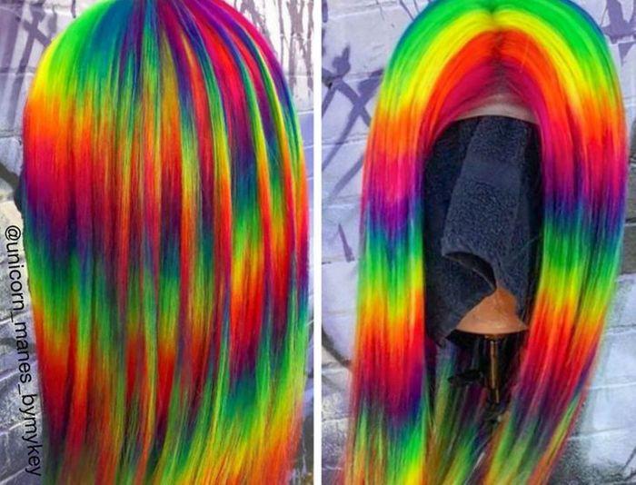 Um cabeleireiro australiano que transforma o cabelo em arco-íris 25
