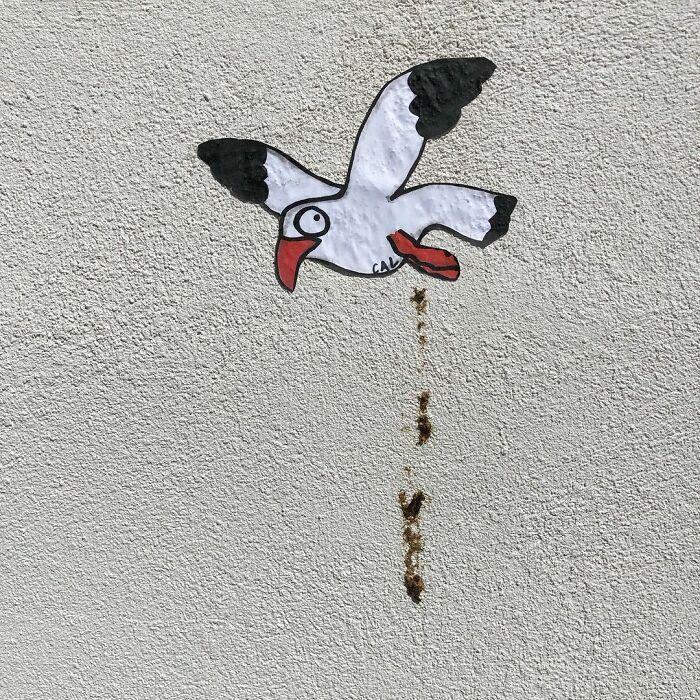 Artista francês espalha humor em espaços urbanos por meio de sua arte 12