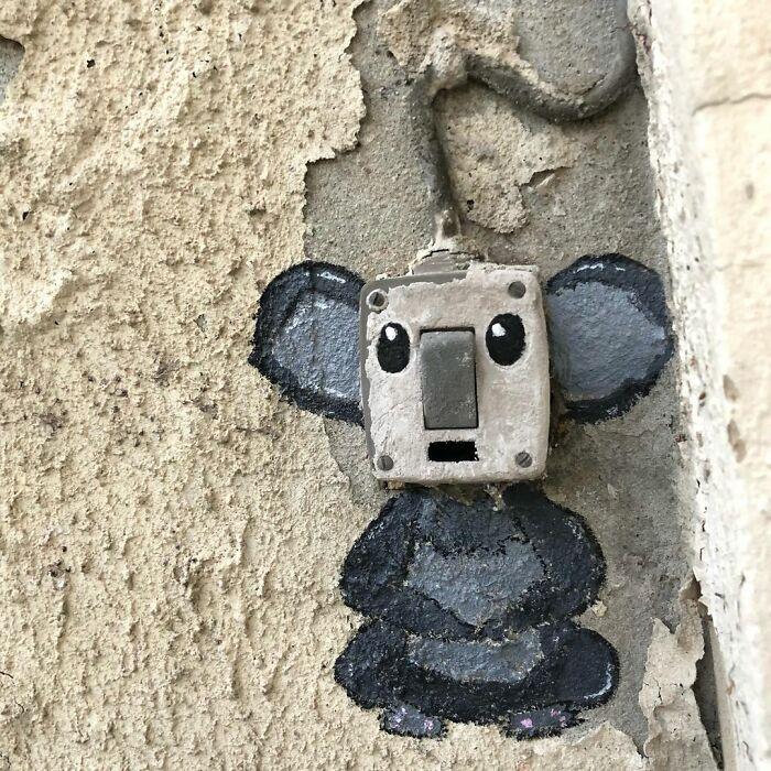 Artista francês espalha humor em espaços urbanos por meio de sua arte 41