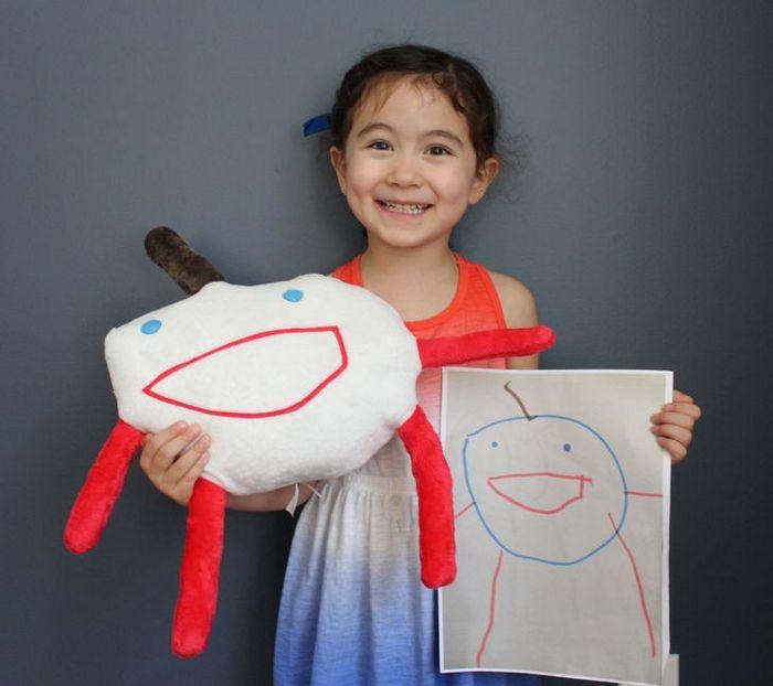 16 brinquedos criando a partir de desenhos feitos por crianças 5