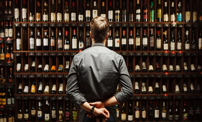 17 histórias de funcionários de lojas de bebidas sobre menores de idade tentando comprar bebida 22