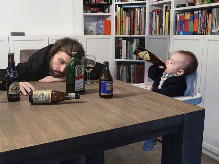 Pai usa Photoshop para por seu filho em situações de perigo para assustar os parentes 11