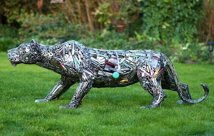 Artista americano traz materiais reciclados de volta à vida, aqui estão 42 de suas esculturas incríveis 2
