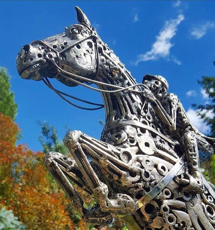 Artista americano traz materiais reciclados de volta à vida, aqui estão 42 de suas esculturas incríveis 9