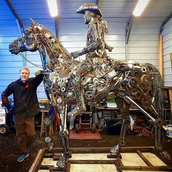 Artista americano traz materiais reciclados de volta à vida, aqui estão 42 de suas esculturas incríveis 11
