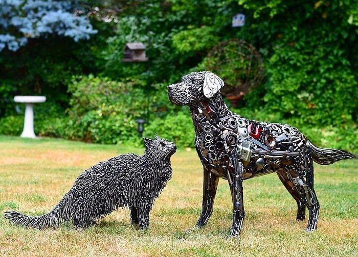 Artista americano traz materiais reciclados de volta à vida, aqui estão 42 de suas esculturas incríveis 13