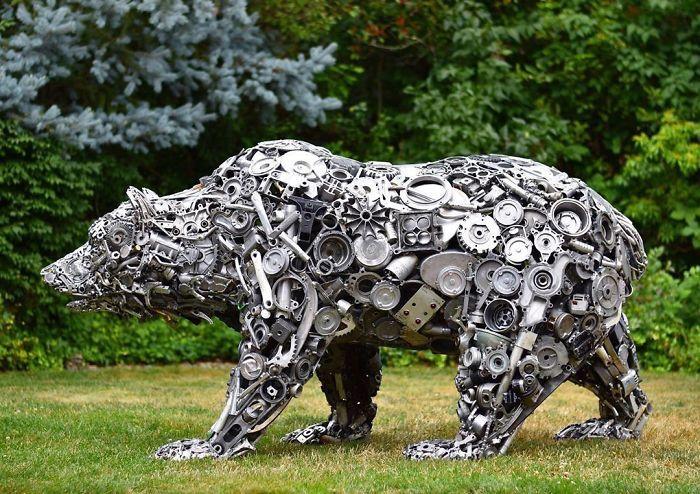 Artista americano traz materiais reciclados de volta à vida, aqui estão 42 de suas esculturas incríveis 22