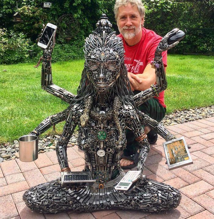 Artista americano traz materiais reciclados de volta à vida, aqui estão 42 de suas esculturas incríveis 30