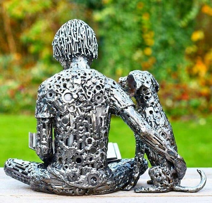 Artista americano traz materiais reciclados de volta à vida, aqui estão 42 de suas esculturas incríveis 38