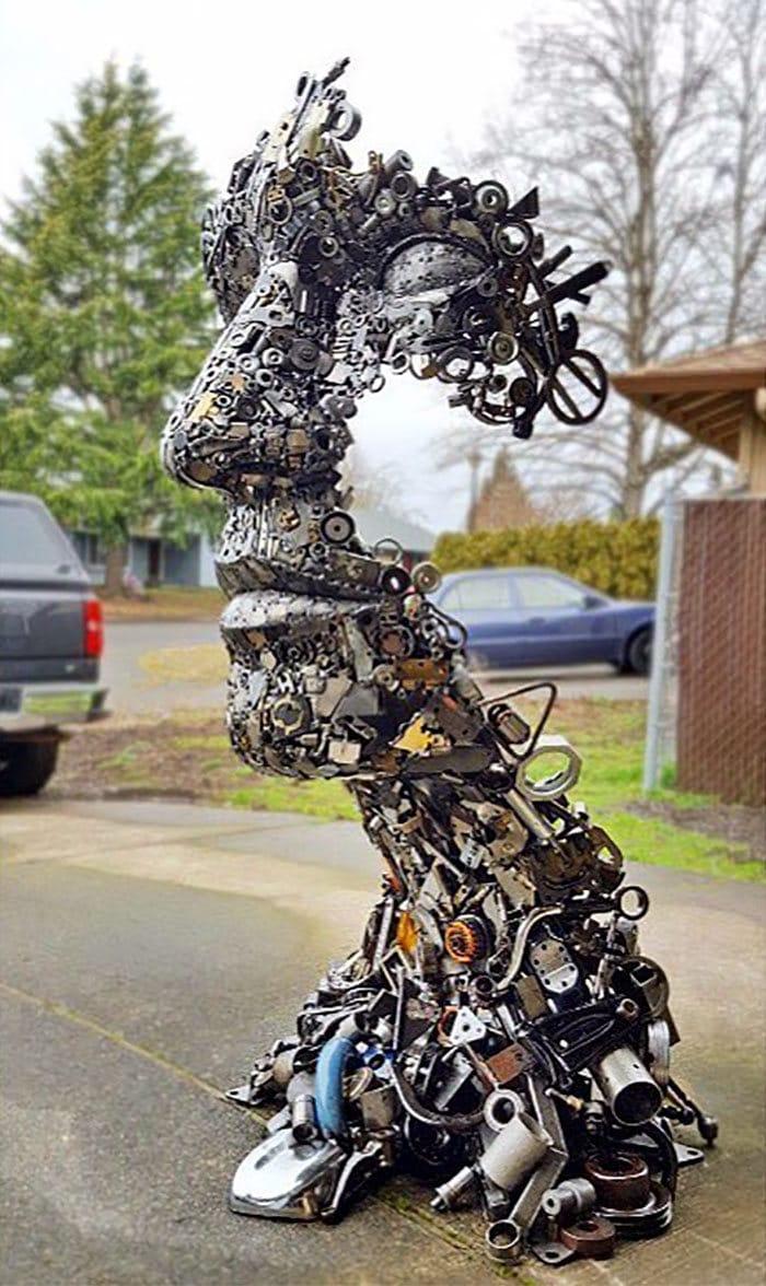 Artista americano traz materiais reciclados de volta à vida, aqui estão 42 de suas esculturas incríveis 40