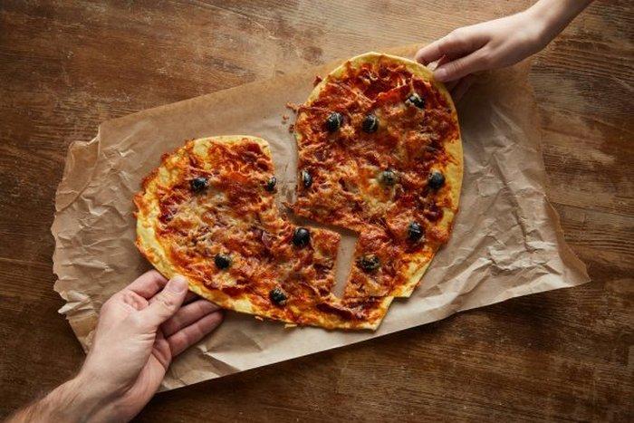 18 coisas que todos casal que não sabe cozinha vai se identificar 5