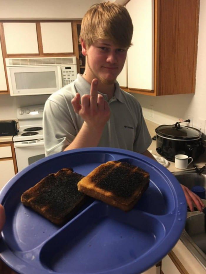 18 coisas que todos casal que não sabe cozinha vai se identificar 14
