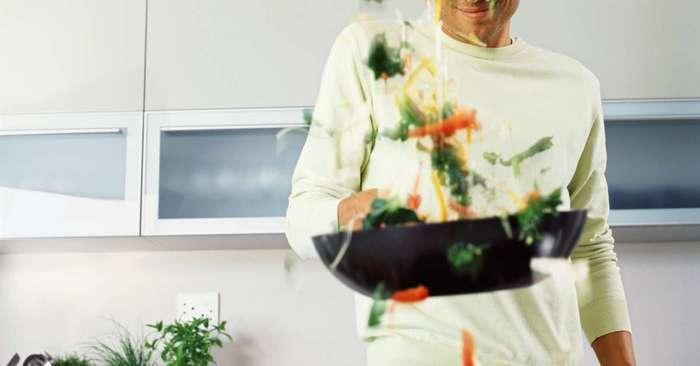 18 coisas que todos casal que não sabe cozinha vai se identificar 16